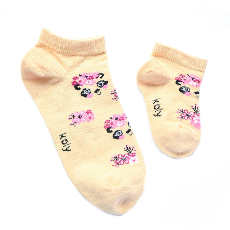 Pande u cveću čarapice